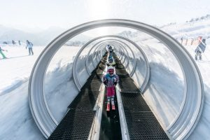 escalator-nursery-slopes-la-rosiere